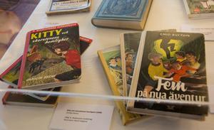 Nostalgitripp? Kitty- och Femböckerna hade stora och trogna läsarskaror bland oss som i dag utgör vuxengenerationen. Och det har visat sig att vi gärna läser om våra ungdomsfavoriter också som vuxna.