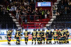 SSK får fira den tredje segern på raken mot Tingsryd. Bild: Andreas Sandström, Bildbyrån.