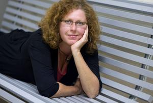 På Galaxen. Sandvikenkonstnären Christina Wannberg.