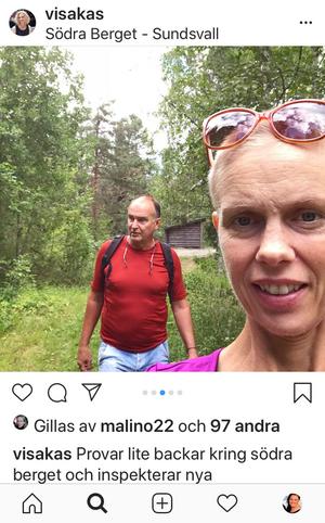 Augusti 2018. Sambon Mats Lundberg och Victoria är ofta ute i naturen. Här hittar hon nya backar att kämpa i för att stärka sig och klara av de tuffa behandlingarna.