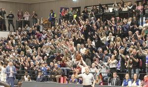 Publiken är fortsatt stor och stabil i Sporthallen. Trots att resultaten varit lite upp och ned för Jämtland Basket.