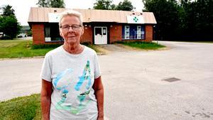 Gudrun Fanqvist, Torpshammar, på plats framför byggnaden där hon under några år drev ett serviceställe för Posten i Torpshammar.