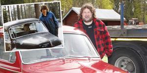 Lilla bilden: 17 år med dåvarande ögonstenen som med tiden fick både extraljus och klistermärken. Nu är Micke Eriksson 52 år och är sedan 15 år tillbaka stolt ägare till en annan PV som i det längsta hållits i originalskick.