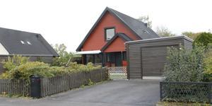 Bollgatan 14 i Köping har bytt ägare för 2 000 000 kronor.