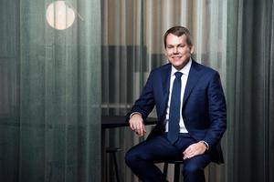 Sandviks vd och koncernchef Stefan Widing har en fast årslön på elva miljoner kronor. Som kompensation för förlorad ersättning från den förra arbetsgivaren fick han dessutom tio miljoner kronor extra innan han bytte jobb. Pressbild.