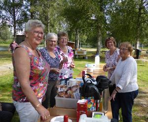 De som bjöd oss på fika och korv var Inga-Britt, Gun, Birgitta, Debora och Essy