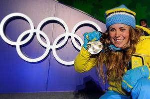 I februari 2010 tog Anna Haag sin första OS-medalj i karriären, och sin hittills enda individuellt, när hon tog silver bakom Marit Björgen i skiathlon. Foto: Jens Meyer/AP Photo/TT