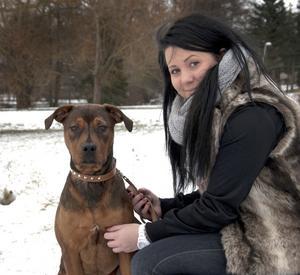 Alexandra Björs fyller 18 år den 25 november. För två månader sedan blev hon och pojkvännen ägare till valpen Shakeera, en korsning mellan rottweiler och amstaff.