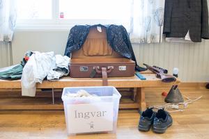 Ingvar Forss spelar flera Jämtgubbar och behöver några ombyten.