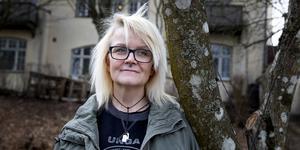 Anne Hööglund är motivatör hos KRIS Södertälje (Kriminellas revansch i samhället).  Nu kan hon berätta om sitt liv i mc-gänget , om alkohol- och drogmissbruket och om hur illa det höll på att gå.