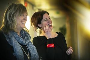 Anna Karin Lith, till vänster, här tillsammans med Dalademokratens ansvarig utgivare och redaktionschef Lisa Pehrsdotter.