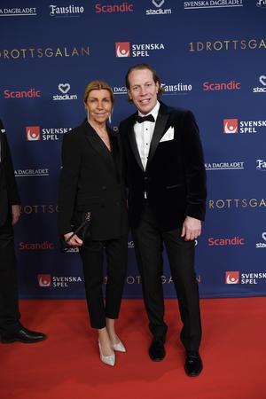 Jonas Bergqvist, som tillbringade större delen av sin hockeykarriär i Leksands IF, med sällskap. Foto Janerik Henriksson / TT