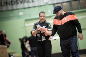 Sundsvall IBF:s tränarduo Anna Ericsson och Göran Blomqvist slipar på detaljerna.