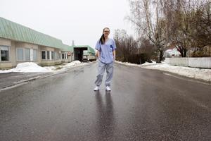 Liz Zachariasson var inför valet 2018 andranamn på Sverigedemokraternas lista i Ockelbo. Politikern arbetar själv som undersköterska på Bysjöstrands äldreboende.