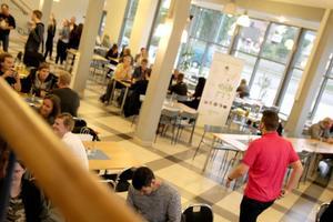 Eleverna fick chansen att mingla och träffa lokala företagare.