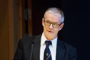 Torbjörn Wannqvist, räddningschef vid Kommunalförbundet södra Hälsingland, är kritisk till att riksväg 50 ska bli smalare.