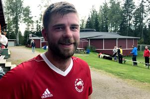 Jens Bergman pustar ut efter söndagens ödesmatch och viktiga 2–0-seger mot bottenkollegan Kilafors.