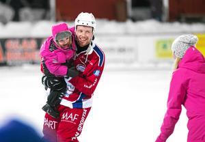 Jimmy Berglund missade nästan hela förra säsongen efter knäskadan. På söndagen gjorde han sin första seriematch på ett år. Bild: Joakim Nordlund (arkiv)