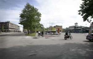Heta diskussioner pågår om framtiden för busstorget i Östersund.