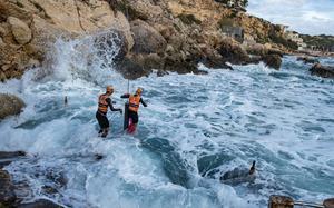 Den sista sträckan simning kortades av från 800 meter till 300 meter för att vågorna var för starla. Foto: Pierre Mangez/Ötillö