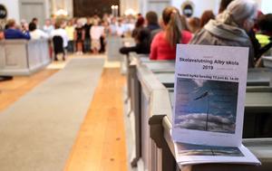 Programblad fanns utlagda för att ledsaga genom avslutningsceremonin.