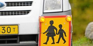 Signaturen är orolig för de upphandlingar som gjorts för skolskjutsar i KAK-området. Foto: Janerik Henriksson