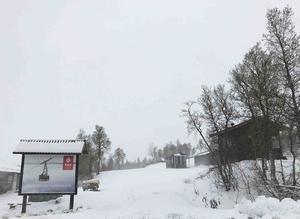 Snön täckte marken med flera decimeter uppe i Ullådalen.