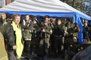 Instruktion. Inför spelet instruerade Erik Haneskog de 300 deltagarna.