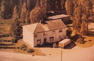 Ingemars lanthandel i Tulleråsen på ett foto från 1960-talet.