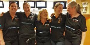 Lina Sundh, Helena Bjurström, Lotta Rönnerfjäll, Nina Högberg och Birgitta Sörensen i Nynäshamns bowlingklubb.