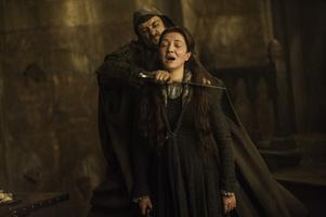 Dags att halshugga Catelyn Stark. Foto: HBO via AP