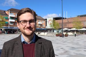 Daniel Lindh, Skövde kommuns gatu- och naturchef svarar på synpunkter om snöröjning på cykelbanor och cykelstrategin.