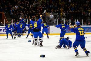 Enorma glädjescener efter segermålet i förlängning. Foto: Johan Löf / BILDBYRÅN