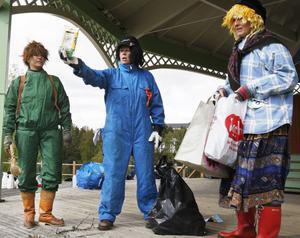 Skogsmulle, Åke återvinning och Skräplisa pratade renhållning och återvinning med barnen.