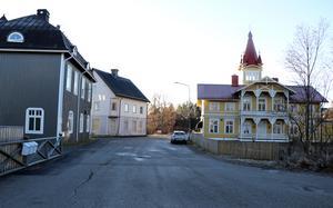 Köpmangatan erbjuder goda parkeringsmöjligheter, vilket bröderna Löfgren menar har bidragit till att kunderna varit dem trogna.