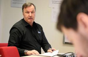 Tekniska förvaltningens chef Ove Skägg har nu även fått den av kommunen beställda värderingen på sitt bord, som han anser bör bakas samman med den från Mid Adventure för att spegla områdets rätta värde.