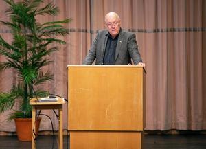 Ulf Berg (M) berättade under regionfullmäktige att alla nya tjänster ska prövas.