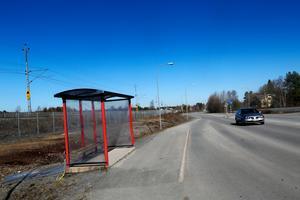 Busshållplatsen vid Nyhedens skola kommer att flyttas tillfälligt under saneringsarbetet.
