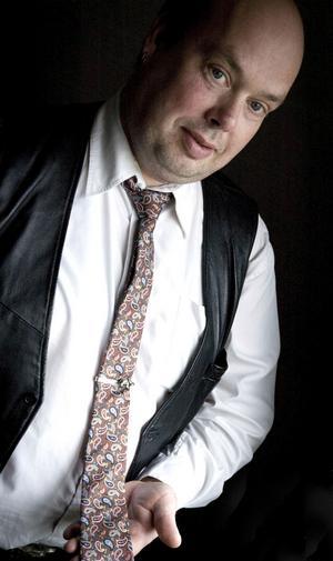 Anton Nilsen samlar på slipsar och vill ha en för årets alla dagar.