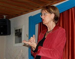 Gudrun Schyman gick rakt på sak och erkände sig själv som nykter alkoholist sedan tio år tillbaka. I går talade hon om samhällskostnader som följer med alkoholkonsumtionen på ett frukostmöte på IOGT-NTO-lokalen i Kramfors.