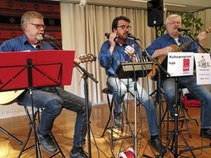 Trio Fobi svarade för underhållningen vid det sista mötet för säsongen hos SPF Tuna-Säter.