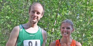 Roslagsmästarna Mika Sällinen och Maria Sundberg. Foto: Estuna IF