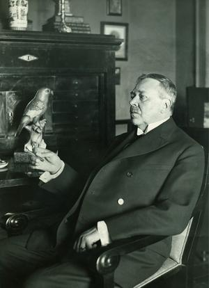 Hjalmar Söderberg fotograferad i sitt hem i Köpenhamn i samband med sin 60-åriga fördelsedag den 2 juli 1929.Foto: Pressens Bild / Scanpix /