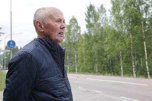 Jan Nilsson blickar ut över det som en gång i tiden var Lesjöfors hemmaplan