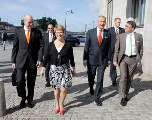 Lars Leijonborg - tillsammans med Allianskamraterna Fredrik Reinfeldt, Maud Olofsson och Göran Hägglund - promenerar till den partiledardebatt som skulle bli hans sista, 2007. Bild: Bertil Ericson