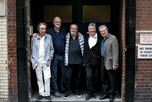 Eric Idle, John Cleese, Terry Gilliam, Michael Palin och Terry Jones återförenades 2014 för en turné. Foto: John Phillips Invision/AP/TT