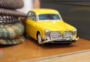 Gubbkepsar och leksaksmodeller. DAK-marknaden handlar mycket om nostalgi.