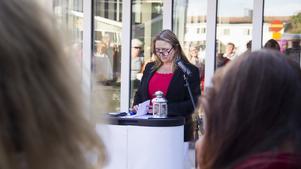 Eva Bäckman, tillsammans med S-kvinnor, arrangerade i dagarna en manifestation mot kvinnovåld.