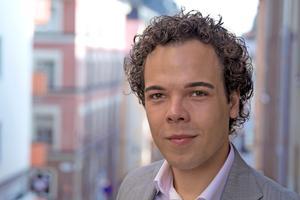 Nicholas Nikander är ordförande för kommunfullmäktige i Nynäshamn. Foto: Liberalerna
