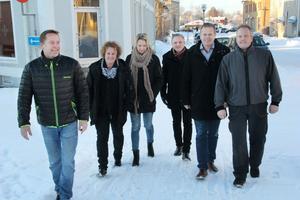 Säg inte nej till något. Handelns och företagarnas ledare i Ljusdal vill ena bygden för utveckling. Från vänster ses Tomas Wickman, Katarina Svender, Carina Andersson, Hans Robertson, Mikael Ernström och Stefan Strandell.